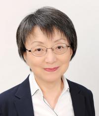 小林 磨寿美 氏