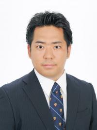 芦沢 亮介 氏