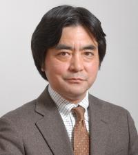 山田 純男 氏