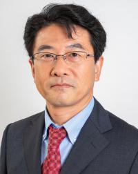 横川 雄一 氏